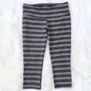 Nike Dri-Fit Striped Cropped Gray Tights Sz M